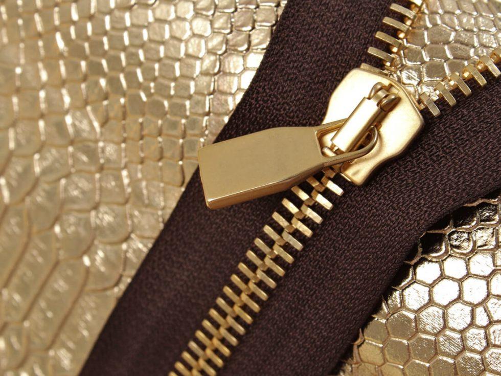 Serpiente dorada texturas metalicas